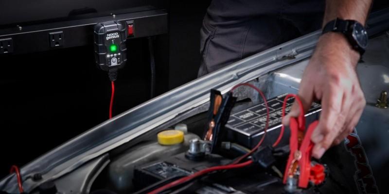 Φορτιστής και συσκευή συντήρησης συσσωρευτών NOCO GENIUS1 6V & 12V 1A