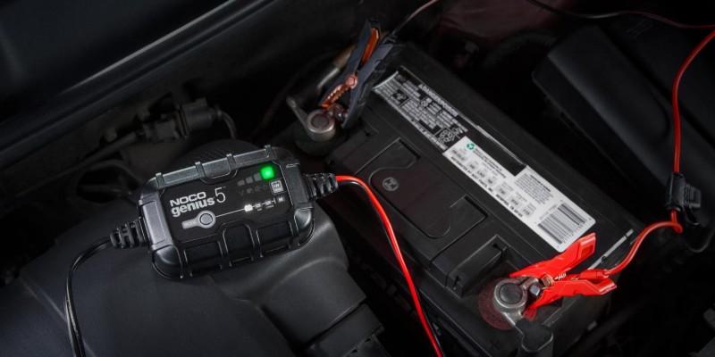 Φορτιστής και συσκευή συντήρησης συσσωρευτών NOCO GENIUS5 6V & 12V 5A